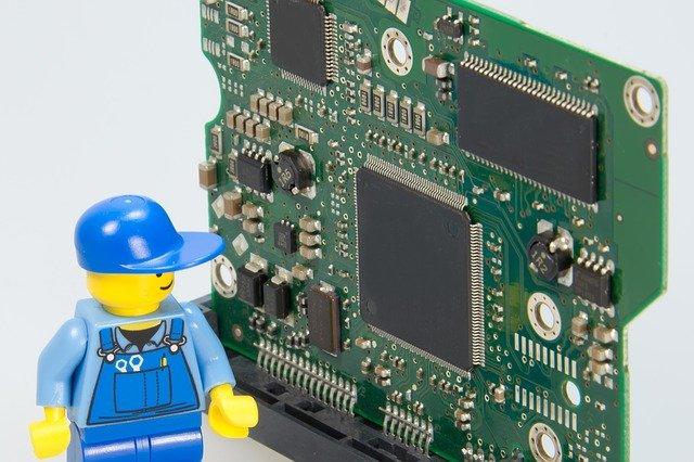 טכנאי מחשבים מומחה